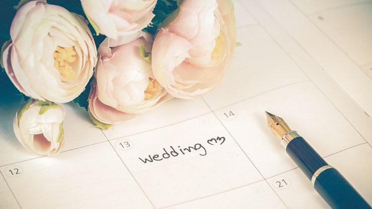 結婚式の日が決まった送迎バスの予約を!