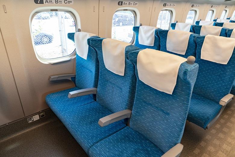 新幹線は窓が開かない